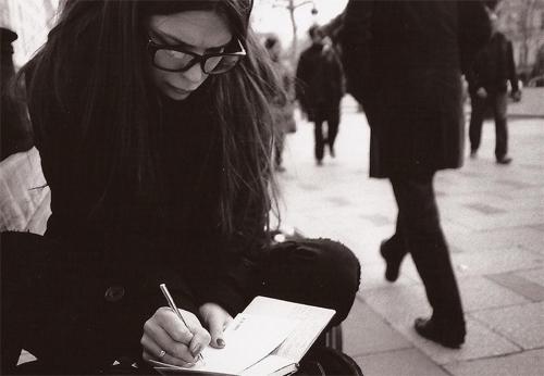 fotografia dedicati del tempo Deborah Brugnera scrivere lettere a Parigi